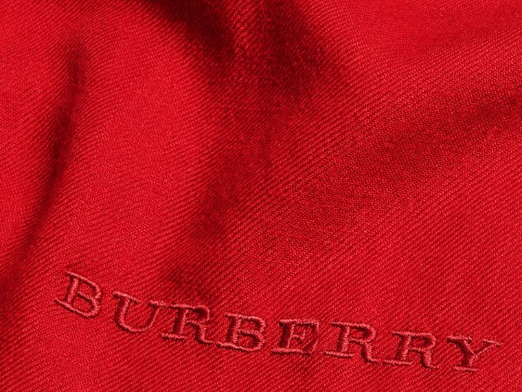 The Lightweight Cashmere Scarf in Parade Red | Burberry - cell image 4