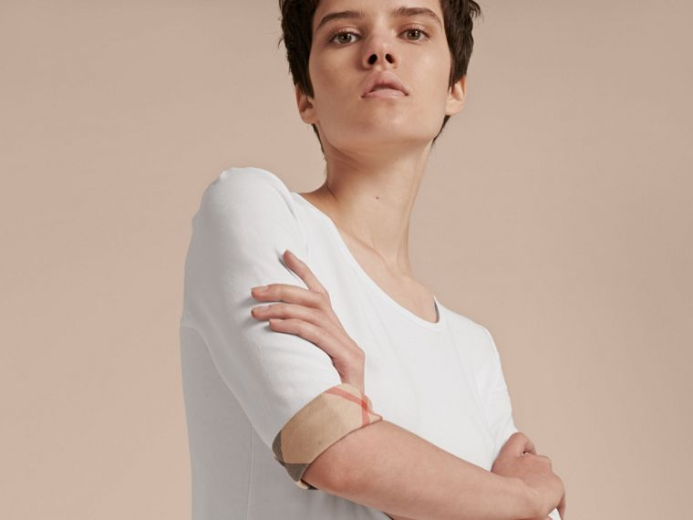 Check Cuff Stretch-Cotton Top in White - cell image 4