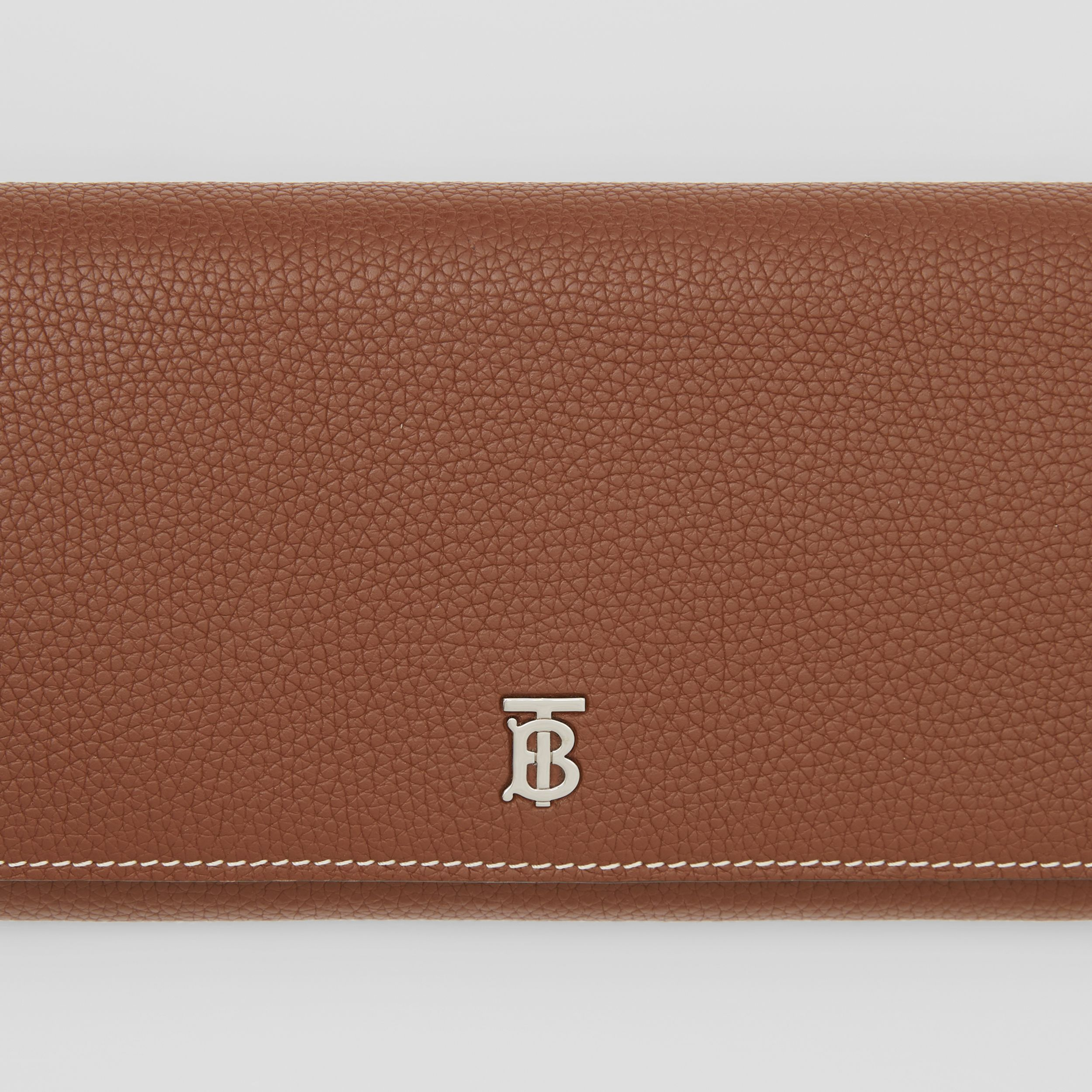 Grainy Leather Wallet with Detachable Strap in Tan | Burberry - 2