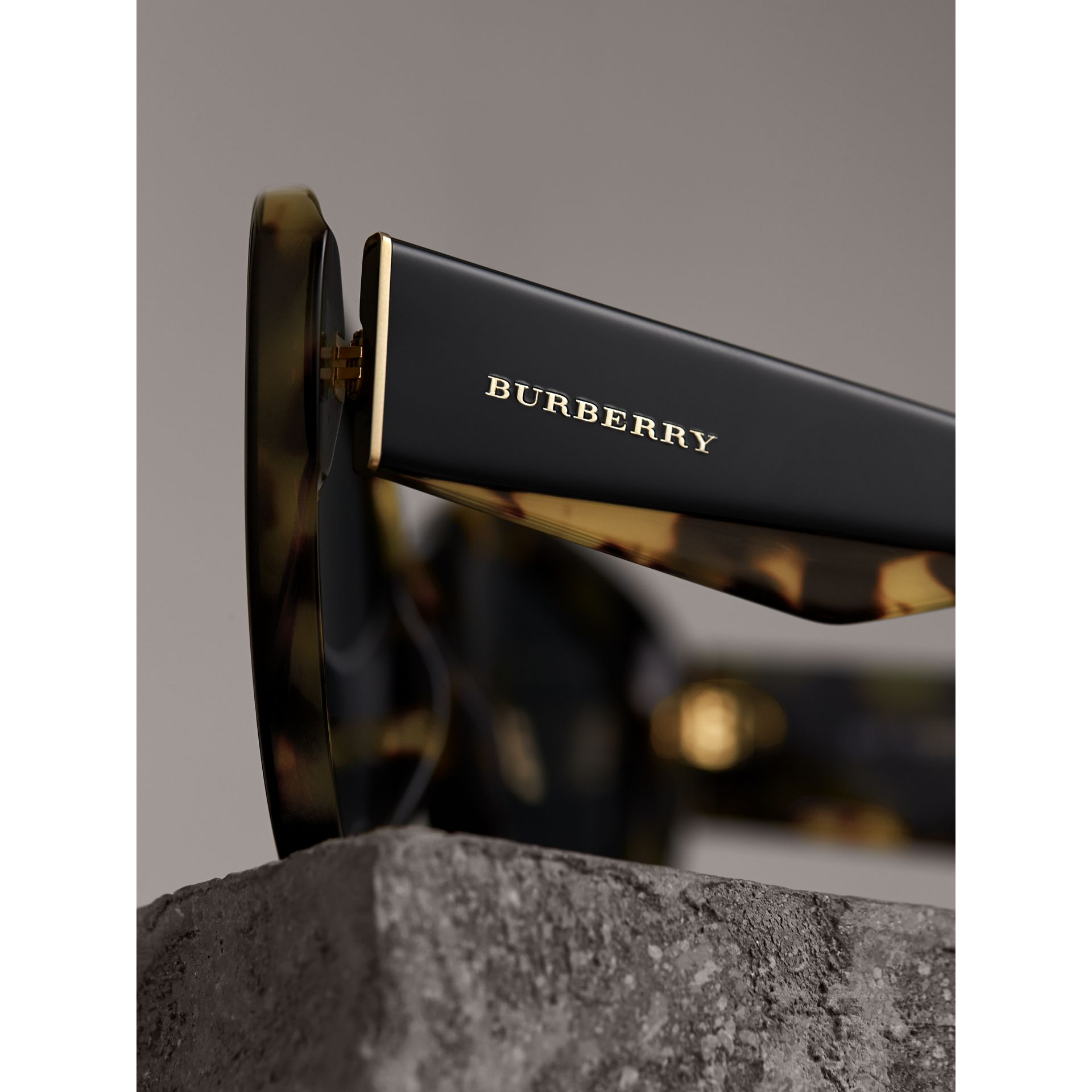 Round Frame Sunglasses in Black - Women | Burberry Australia - gallery image 2