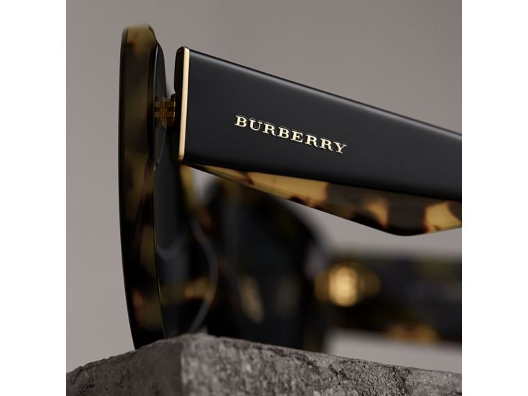Round Frame Sunglasses in Black - Women | Burberry - cell image 1