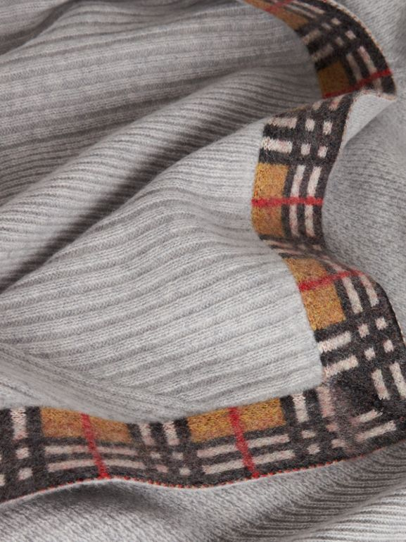 Vintage Check Detail Cashmere Baby Blanket in Light Grey Melange - Children | Burberry United Kingdom - cell image 1