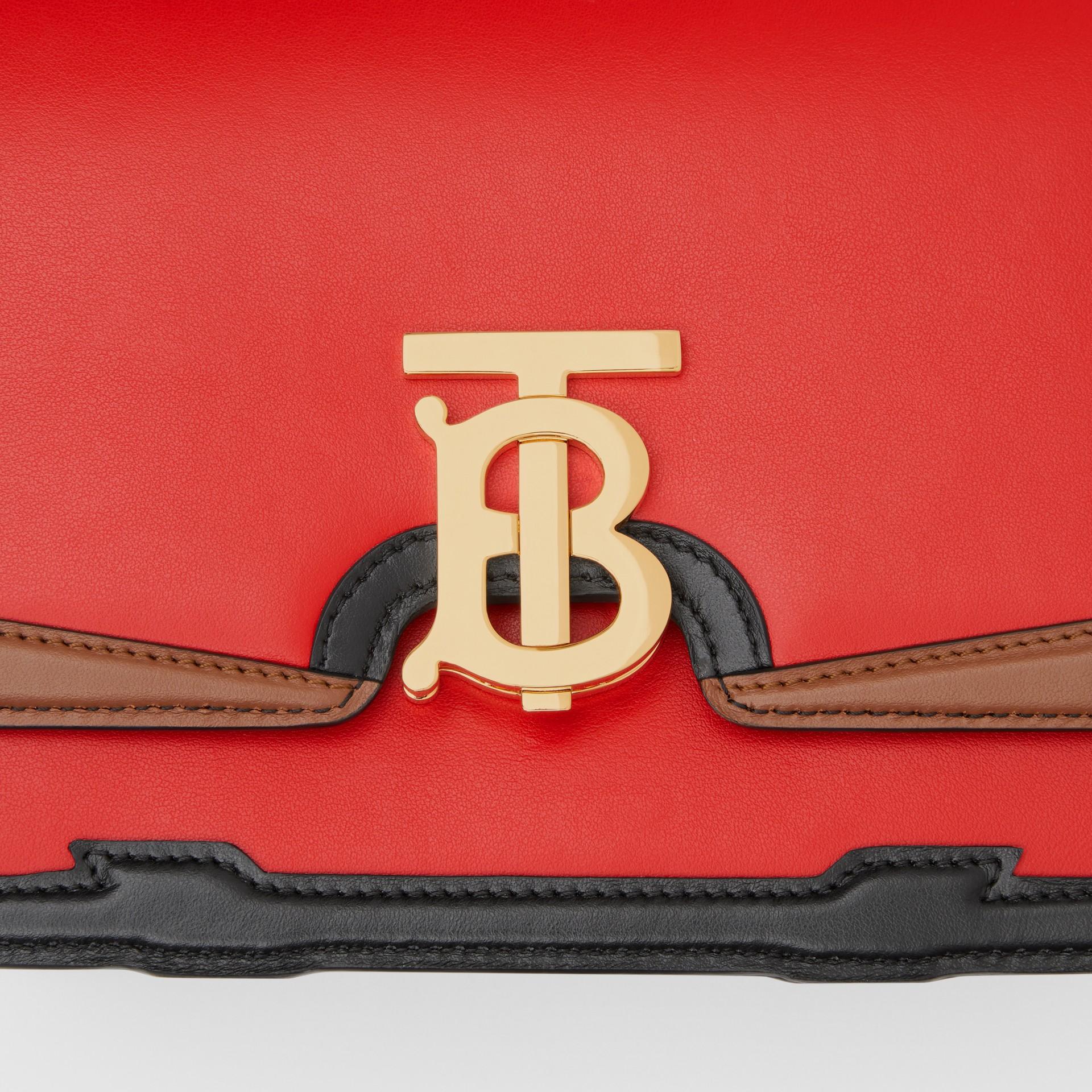 Petit sacTB en cuir avec appliqué (Rouge Vif) - Femme | Burberry - photo de la galerie 1