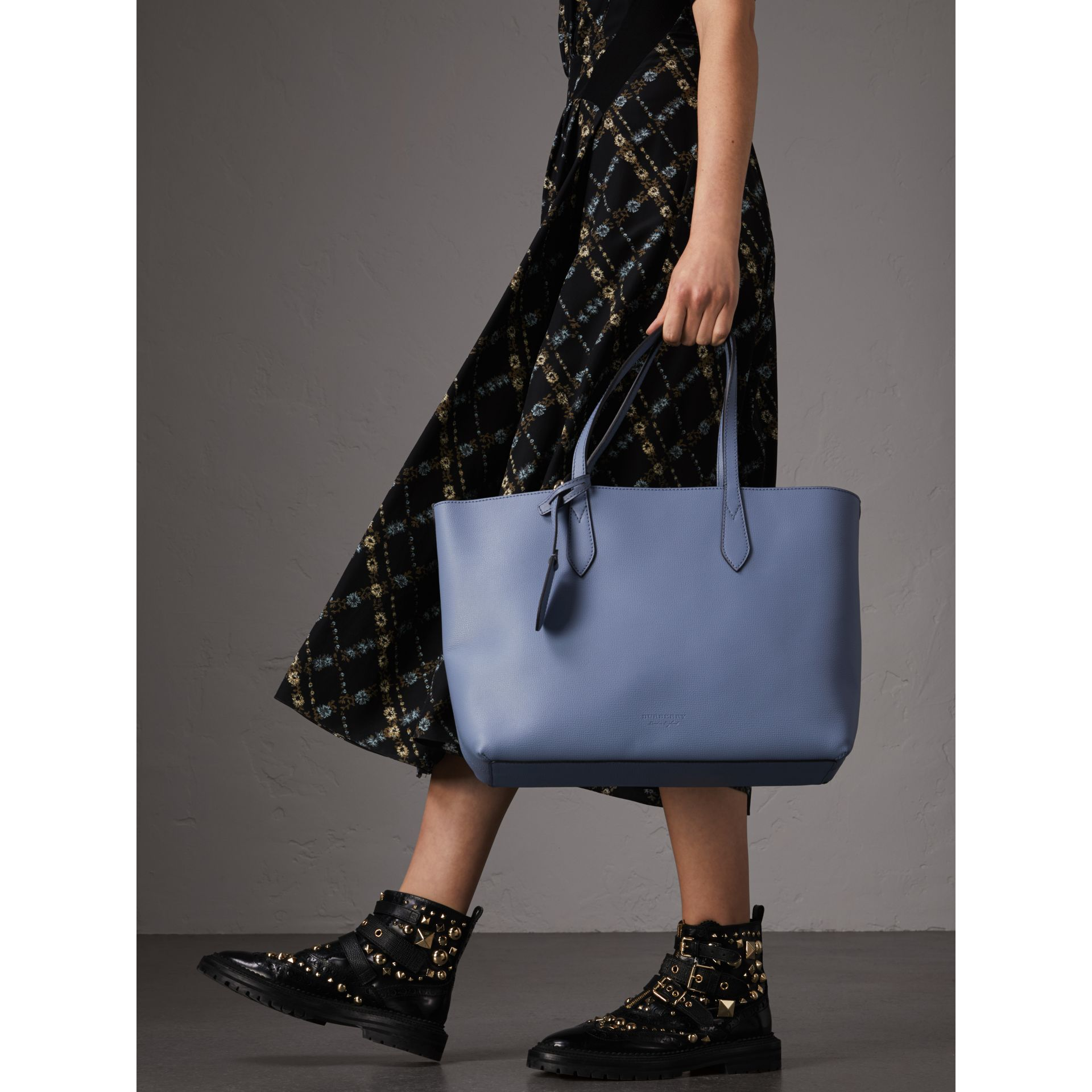 The Small Reversible Tote in Haymarket Check and Leather in Slate Blue - Women | Burberry - gallery image 3