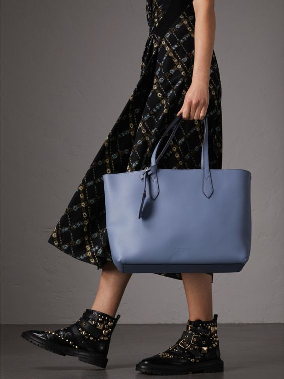 The Small Reversible Tote in Haymarket Check and Leather in Slate Blue - Women | Burberry - cell image 2