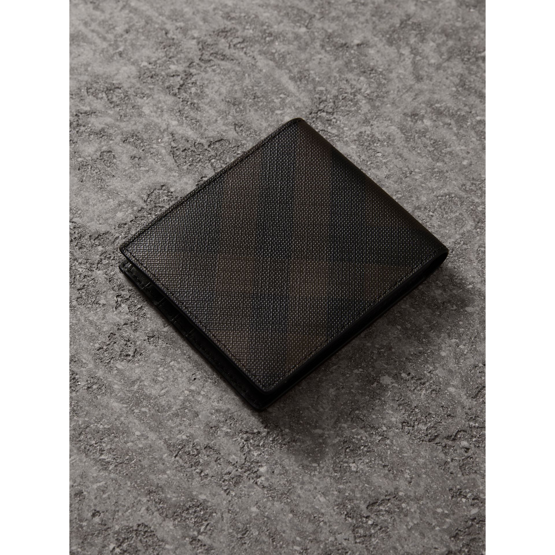 London Check International Bifold Wallet in Chocolate/black - Men | Burberry - gallery image 3
