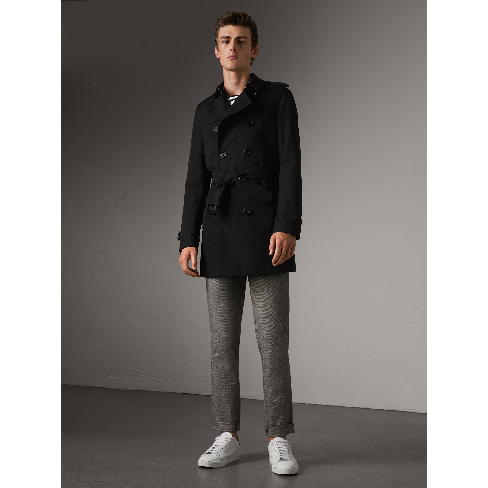 The Chelsea – Mid-length Trench Coat in Black - Men | Burberry Australia - gallery image 6