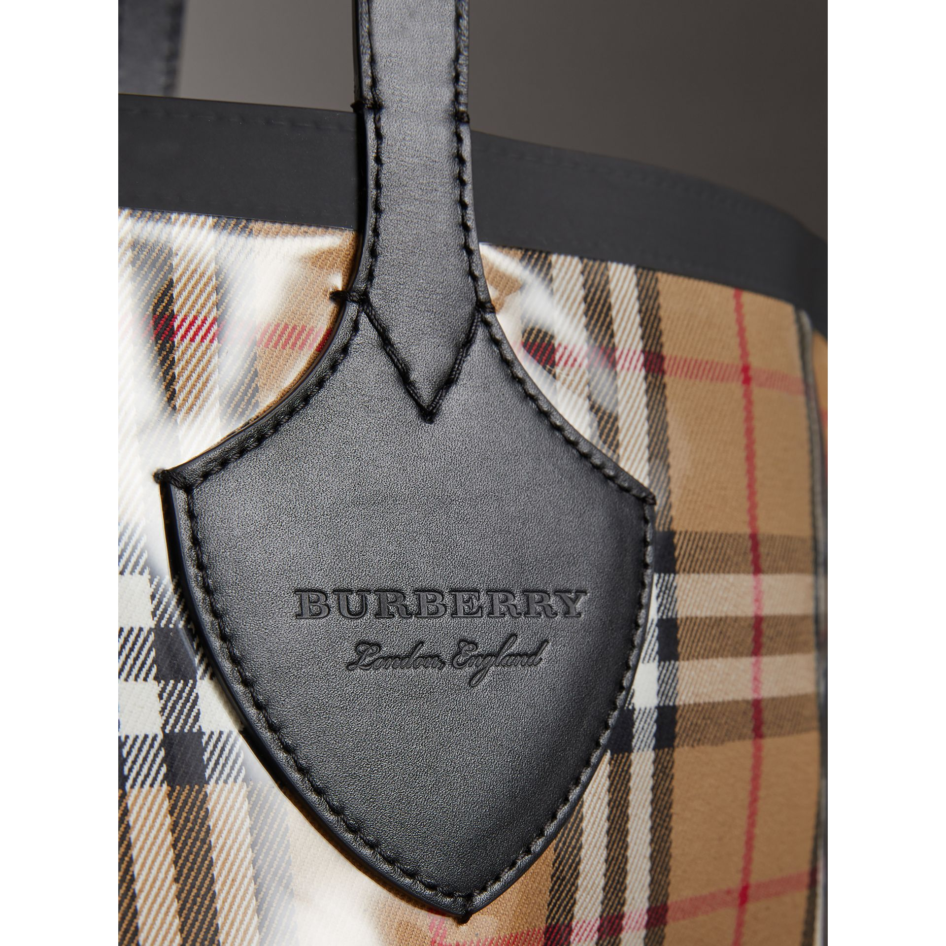 The Medium Giant Tote in Plastic and Vintage Check in Antique Yellow/black - Women | Burberry United Kingdom - gallery image 1