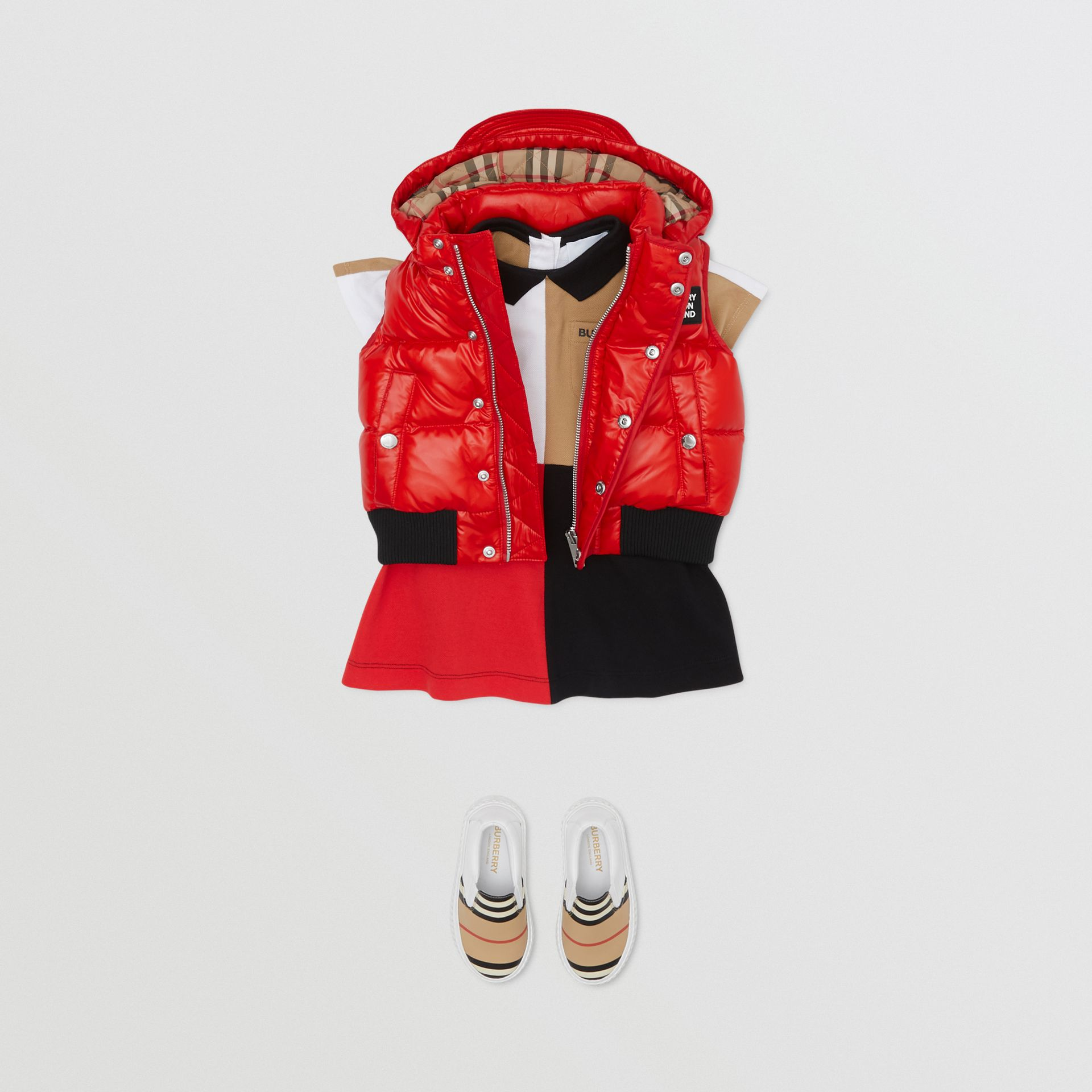Detachable Hood Nylon Puffer Gilet in Pillar Box Red - Children | Burberry United Kingdom - gallery image 2