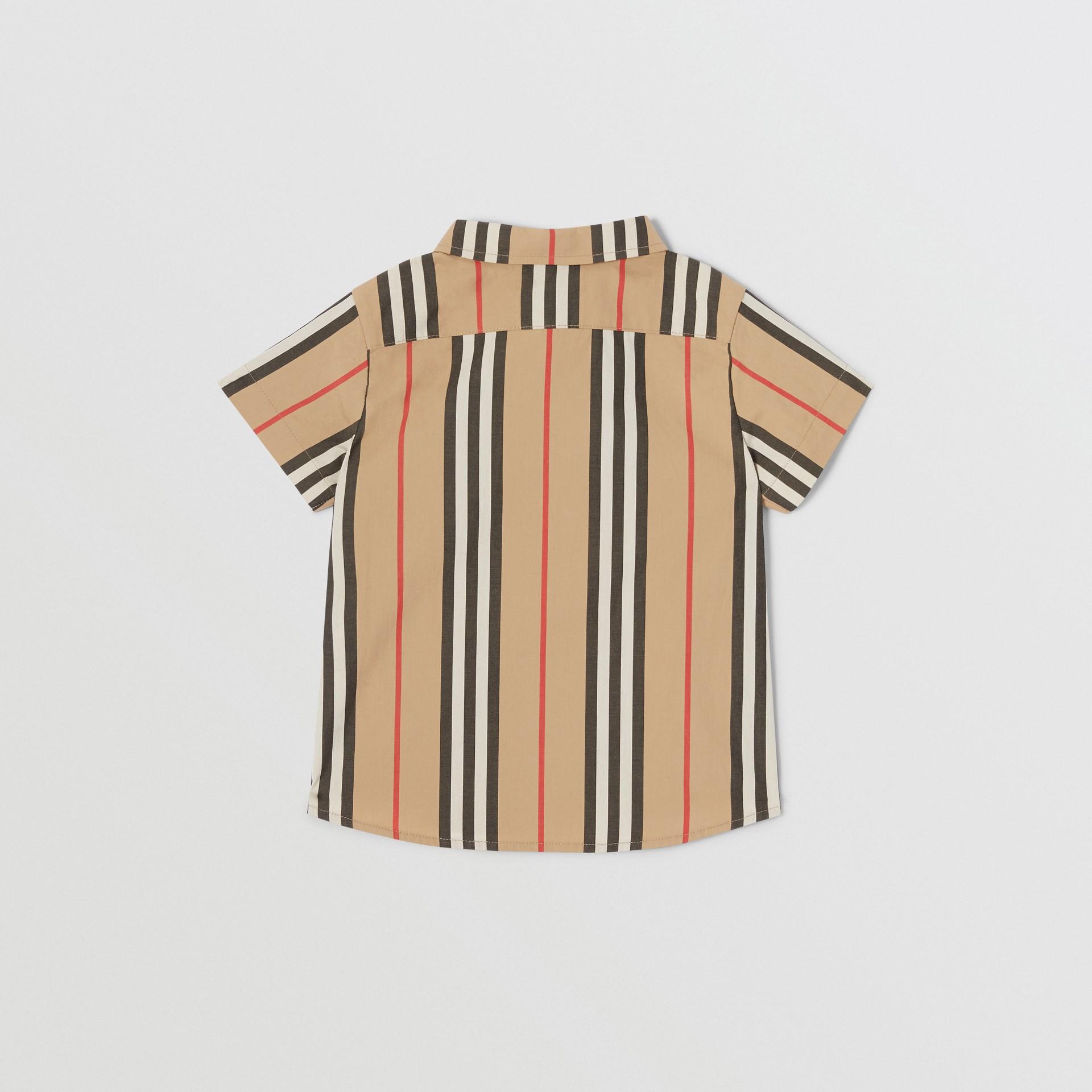 短袖標誌性條紋棉府綢襯衫 (典藏米色) - 童款 | Burberry - 圖庫照片 3