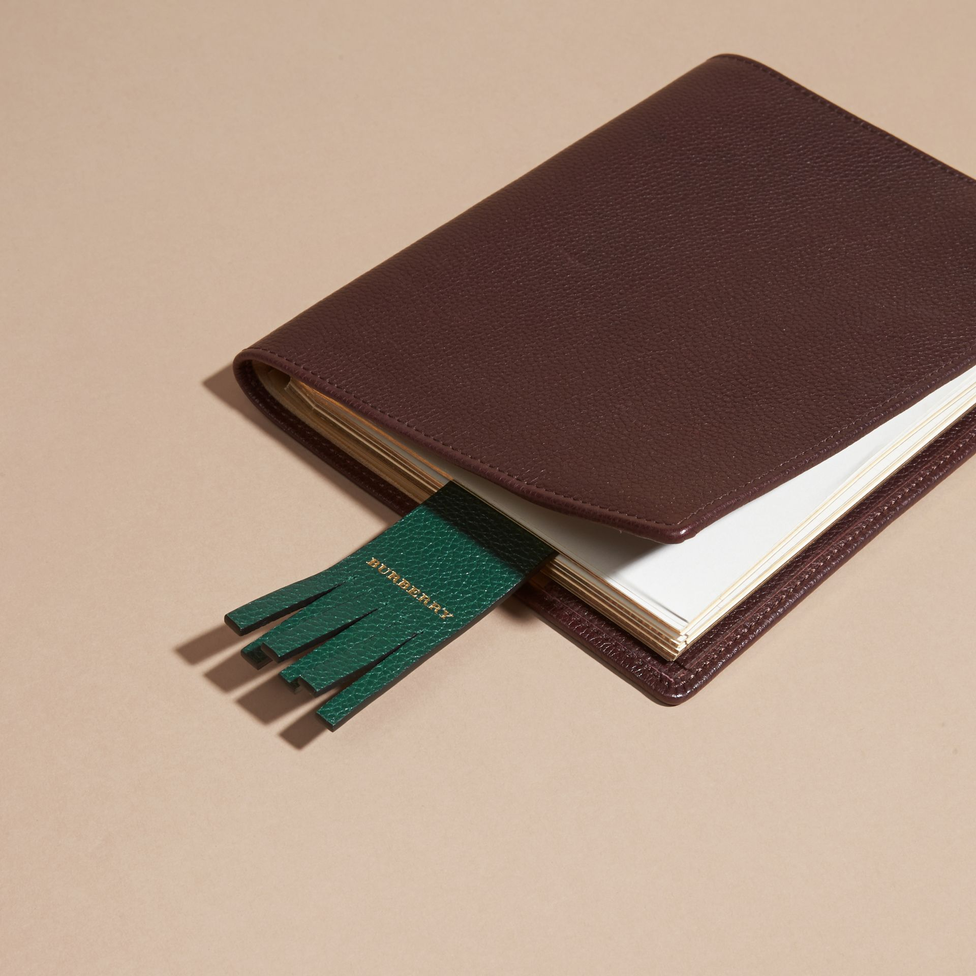 Dark forest green The City Gent Grainy Leather Bookmark - gallery image 3