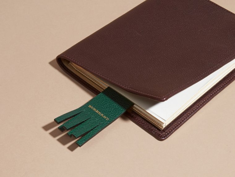 The City Gent Grainy Leather Bookmark in Dark Forest Green | Burberry - cell image 2