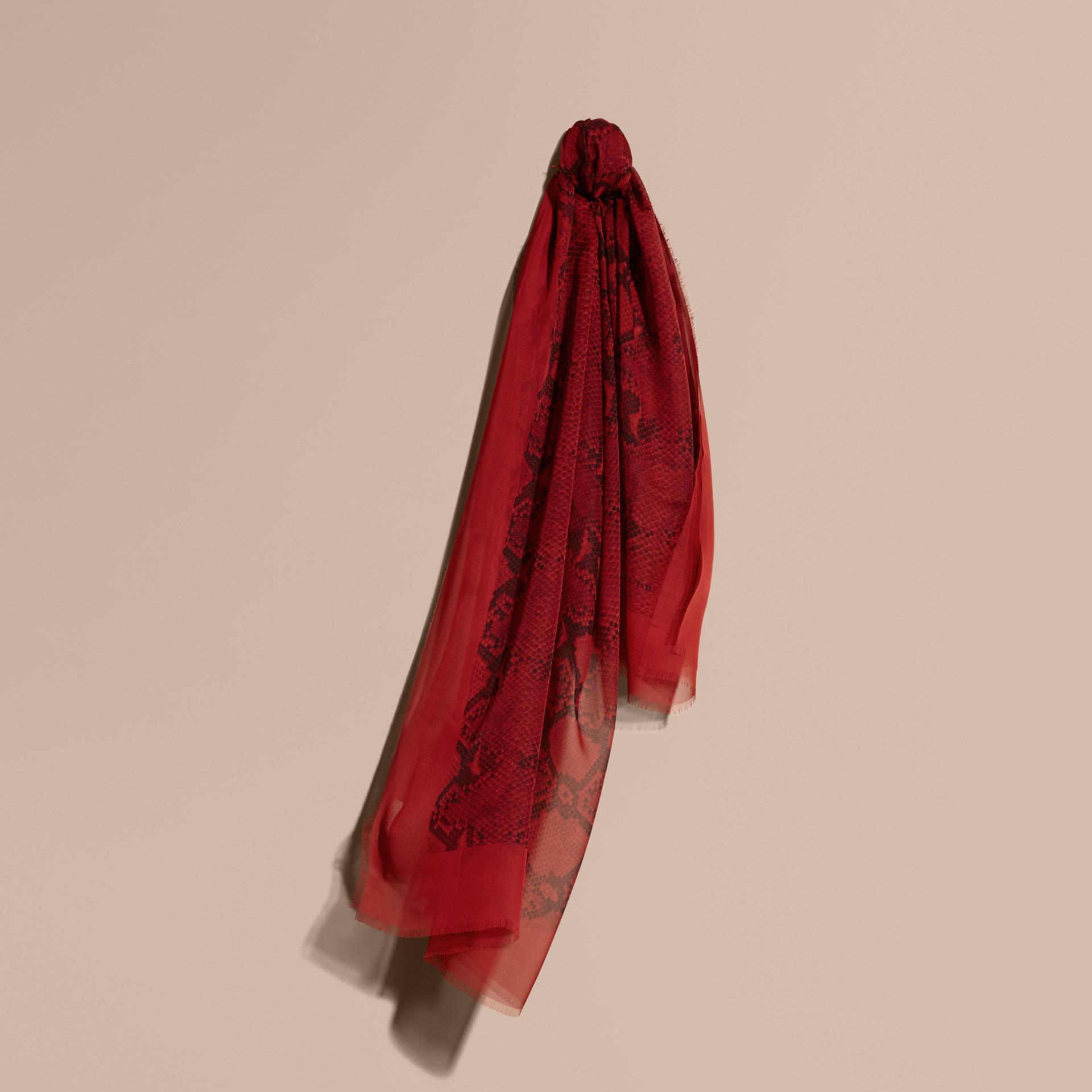 Windsor red Echarpe de seda com estampa de píton Windsor Red - galeria de imagens 1