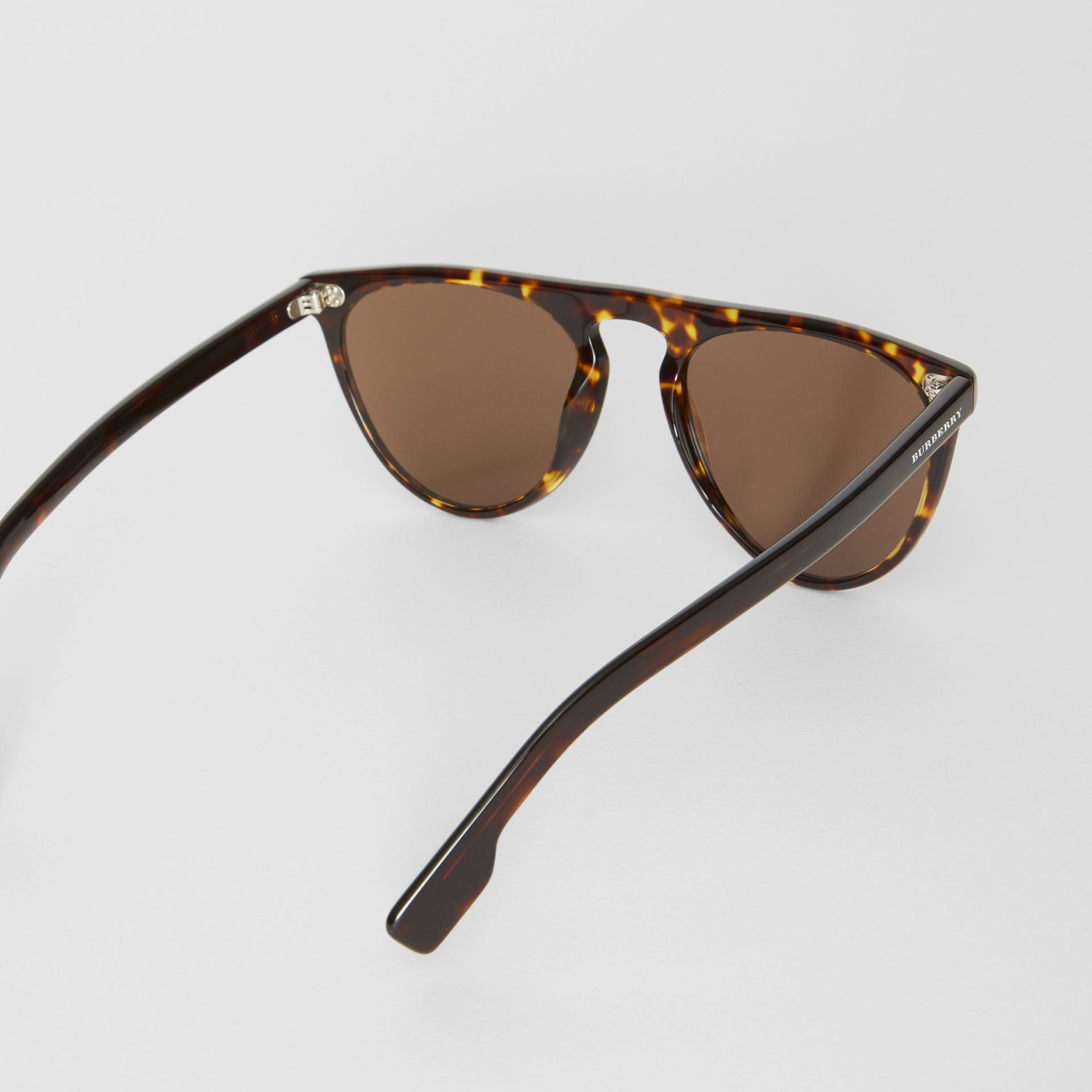 Keyhole D-shaped Sunglasses in Tortoise Shell - Men | Burberry United Kingdom - gallery image 4
