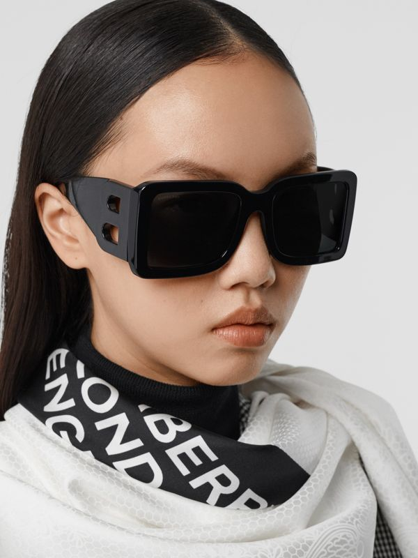B Motif Square Frame Sunglasses in Black - Women | Burberry - cell image 2
