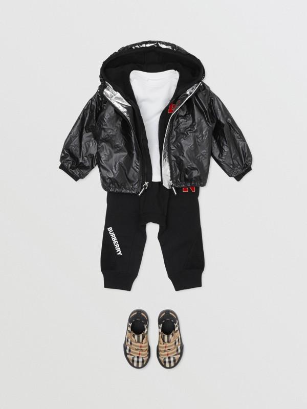 Logo Print Lightweight Hooded Jacket in Black - Children | Burberry United Kingdom - cell image 3