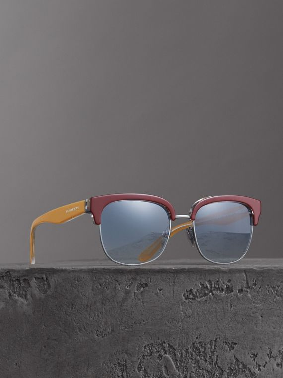 Check Detail D-frame Sunglasses in Burgundy