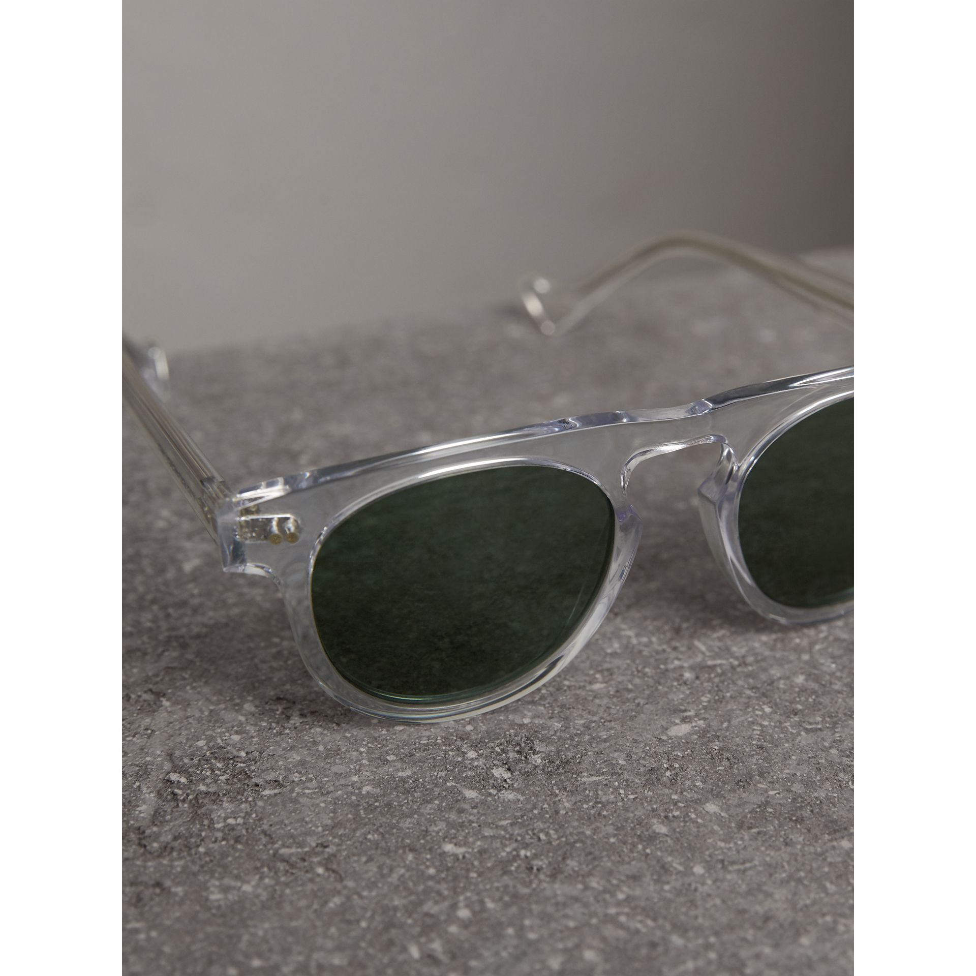 The Keyhole Round Frame Sunglasses in Crystal/green | Burberry - gallery image 3