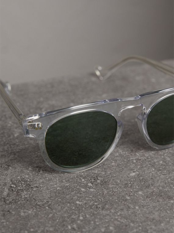 The Keyhole Round Frame Sunglasses in Crystal/green | Burberry - cell image 2