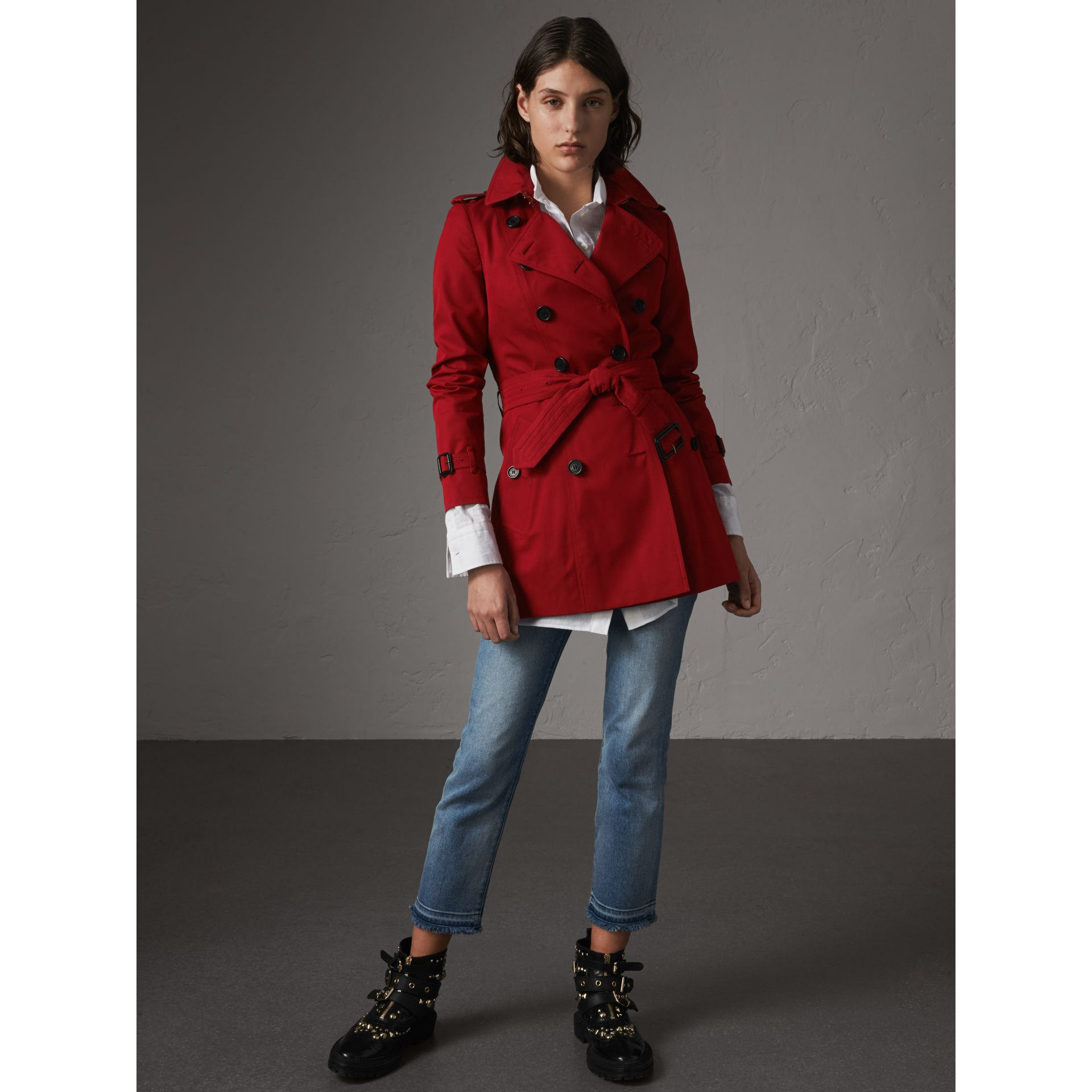 The Chelsea – Short Trench Coat in Parade Red - Women | Burberry Australia - gallery image 7