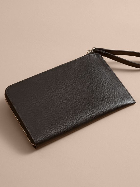 Beasts Motif Leather Travel Wallet - Men | Burberry Hong Kong - cell image 2