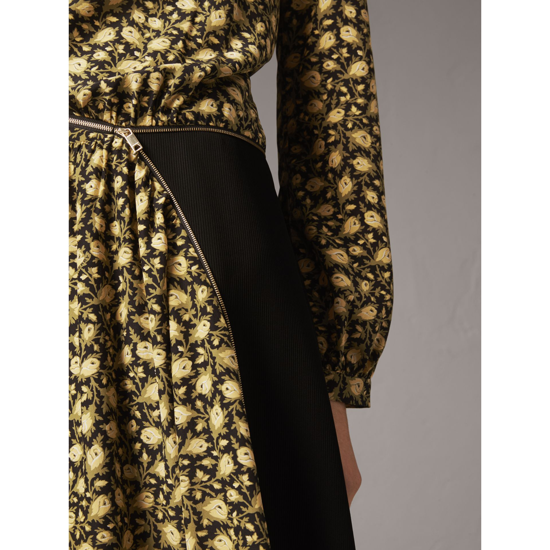 Zip Detail Floral Silk Dress in Pale Saffron Yellow - Women | Burberry Australia - gallery image 2