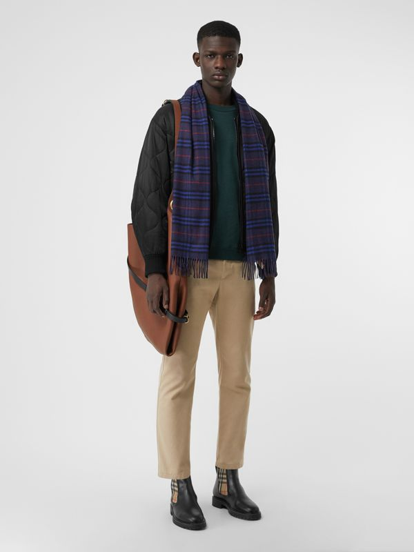 The Classic Vintage Check Cashmere Scarf in Bright Navy | Burberry Canada - cell image 3