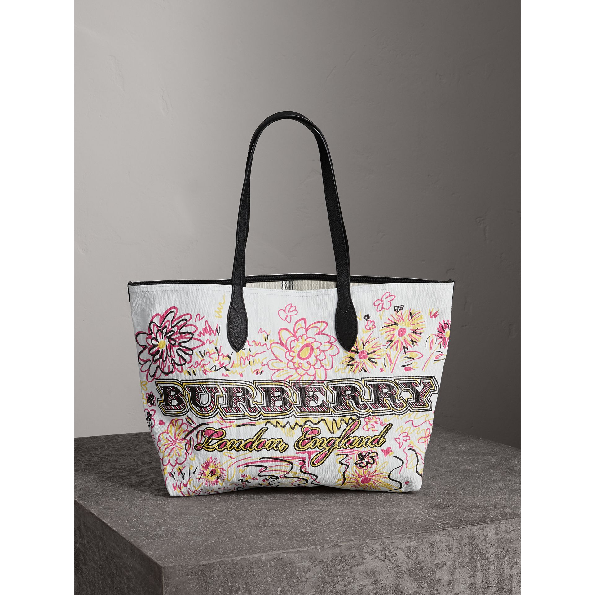The Medium Doodle Tote in wendbarem Design (Weiss/schwarz) - Damen | Burberry - Galerie-Bild 0