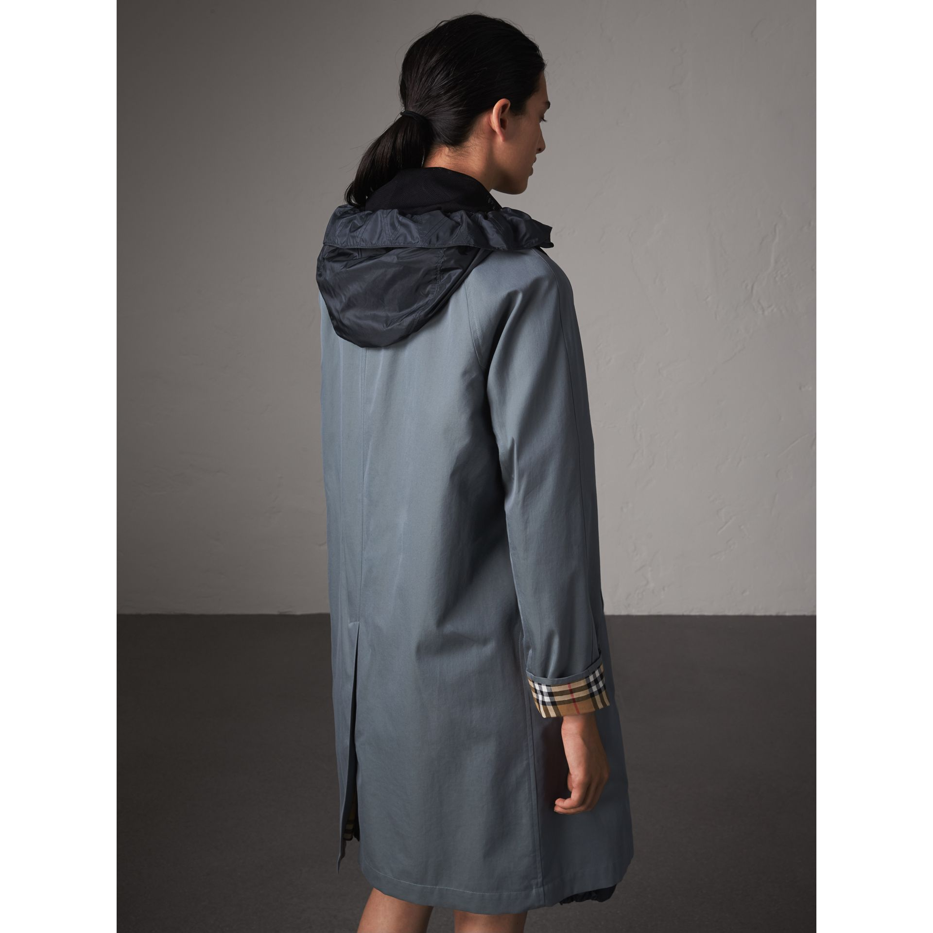 The Camden – Car Coat long (Bleu Cendré) - Femme | Burberry - photo de la galerie 3