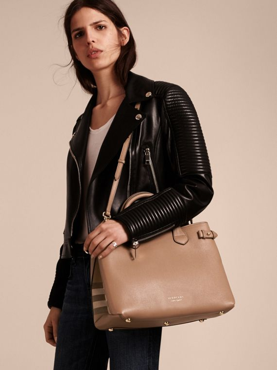 Sac The Banner medium en cuir et coton House check Sable Foncé - cell image 3