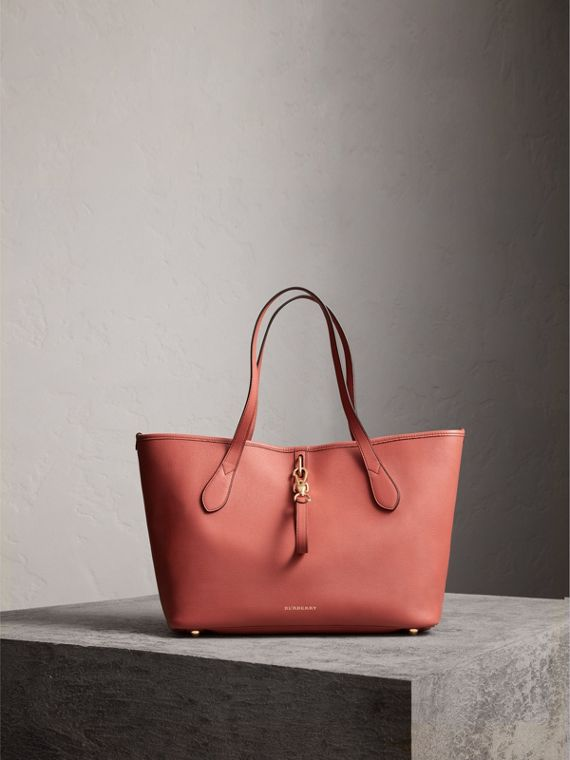 Medium Grainy Leather Tote Bag in Cinnamon Red