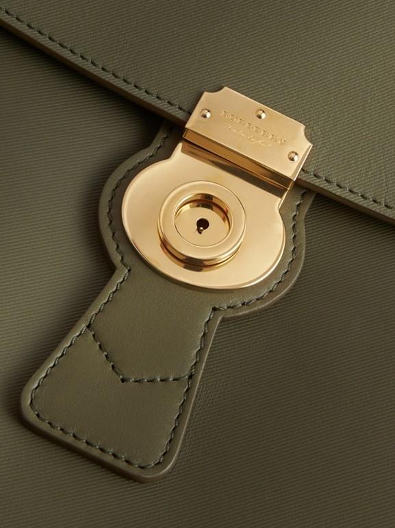 La borsa con manico DK88 grande (Verde Muschio) - Donna | Burberry - cell image 1