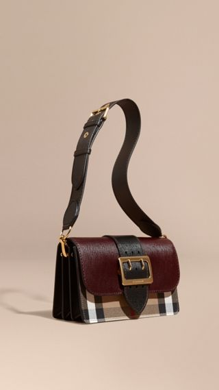 Bolso Buckle mediano en piel con textura y checks House