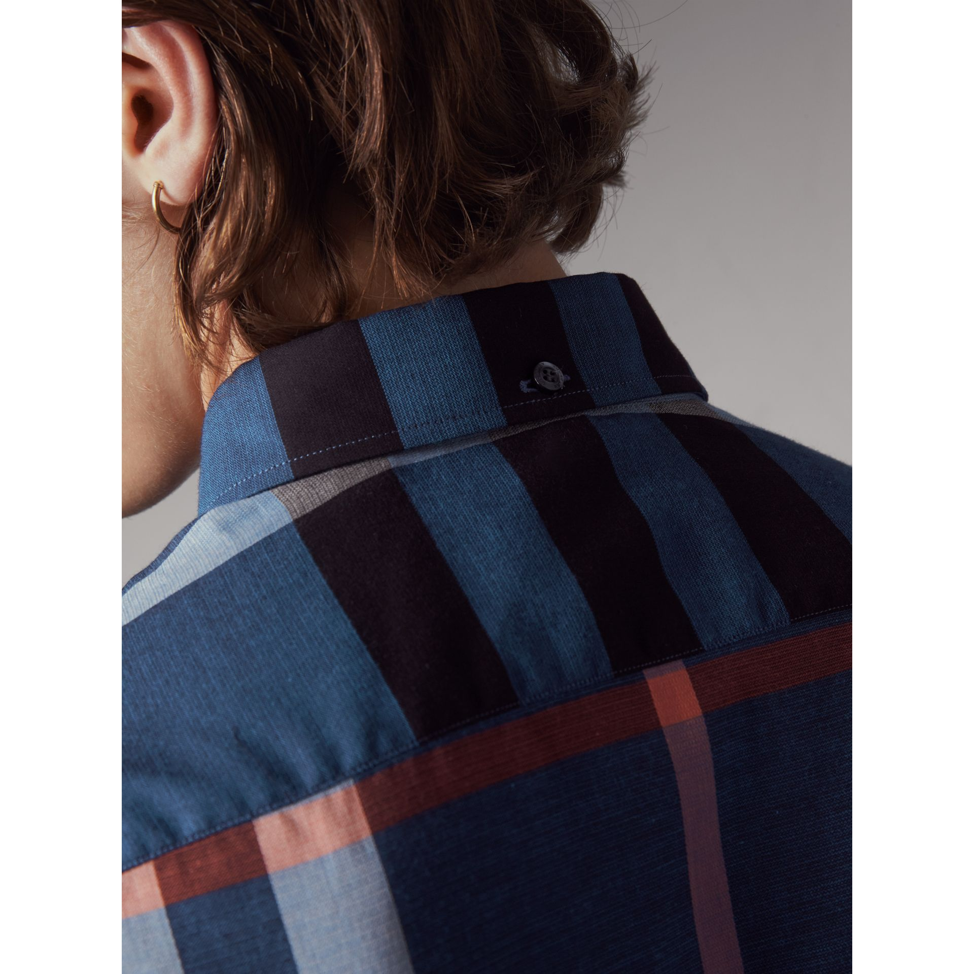 Button-down Collar Short-sleeve Check Cotton Shirt in Ink Blue - Men | Burberry - gallery image 5