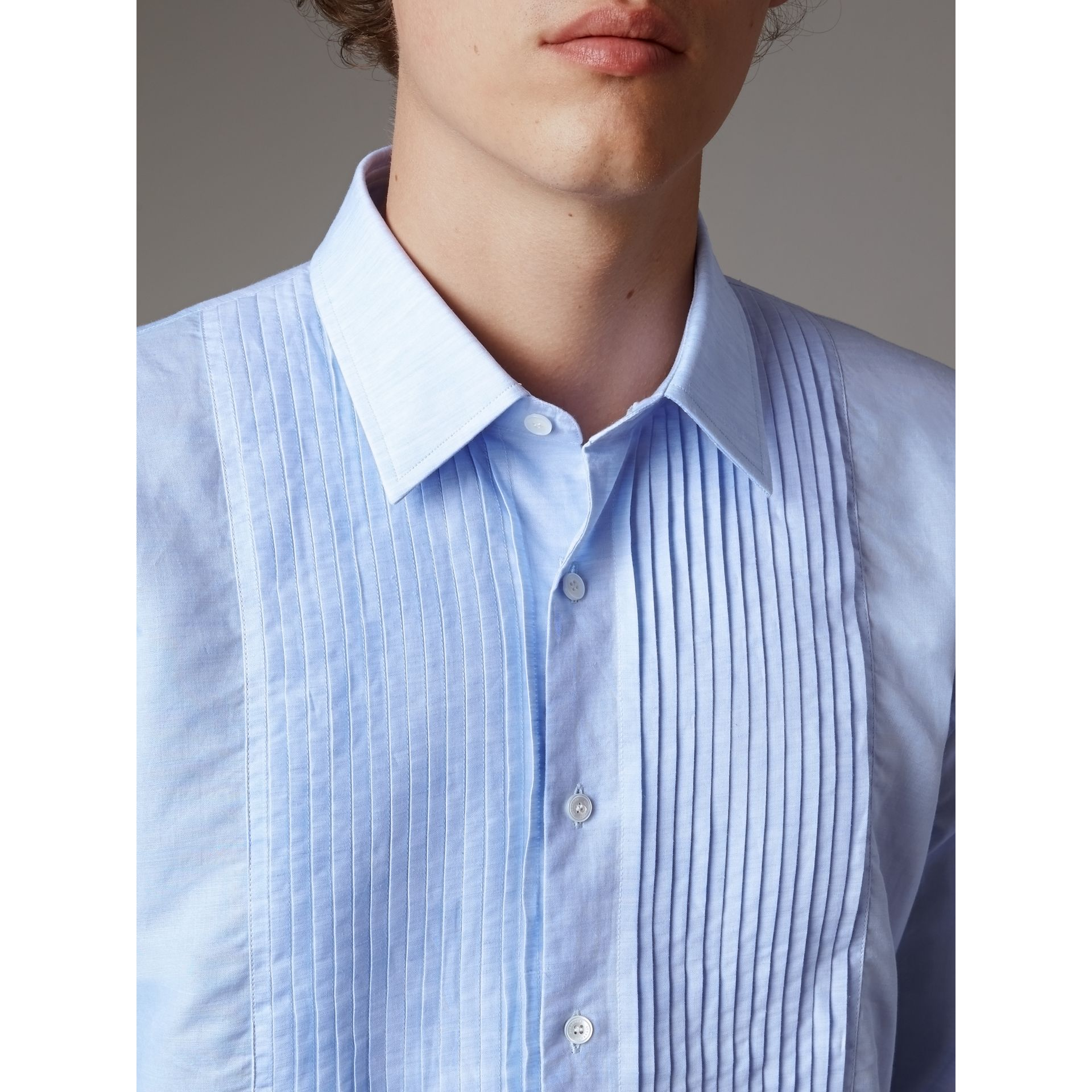 Modern Fit Linen Cotton Dress Shirt in Pale Blue - Men | Burberry - gallery image 2