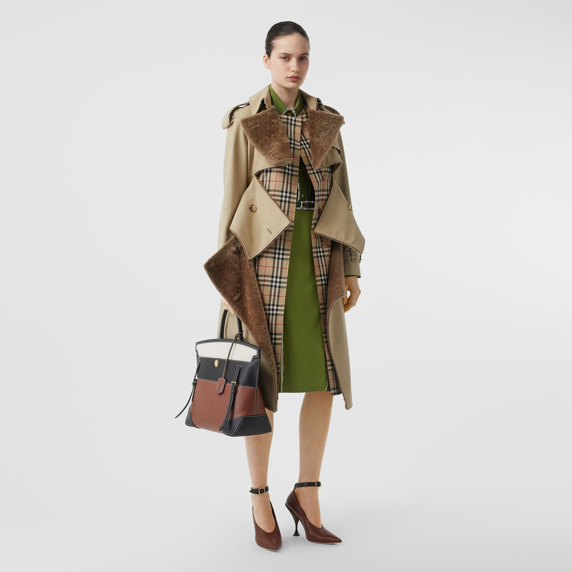 Embellished Silk Oversized Shirt in Cedar Green - Women | Burberry United States - gallery image 4