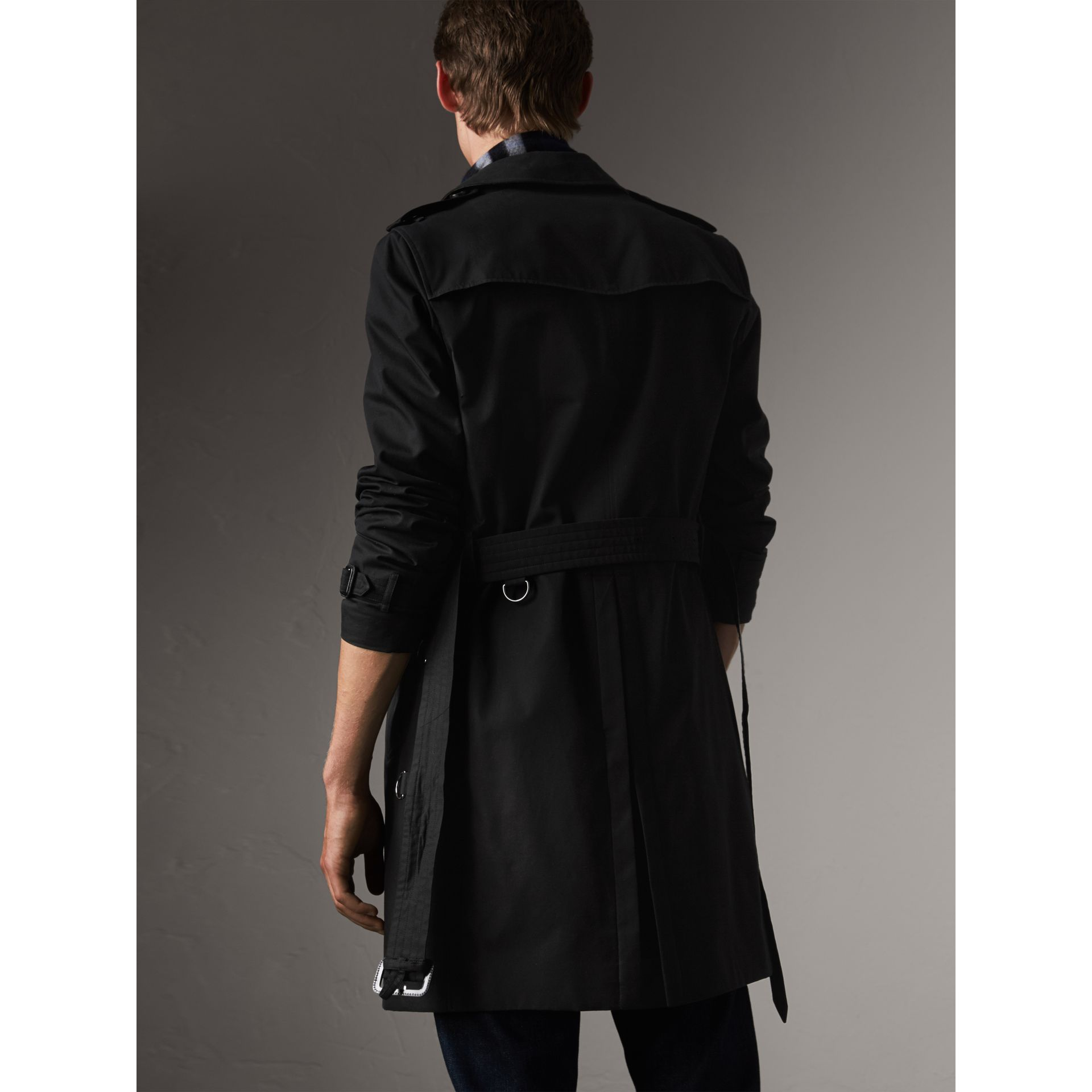 The Chelsea – Long Trench Coat in Black - Men | Burberry - gallery image 2