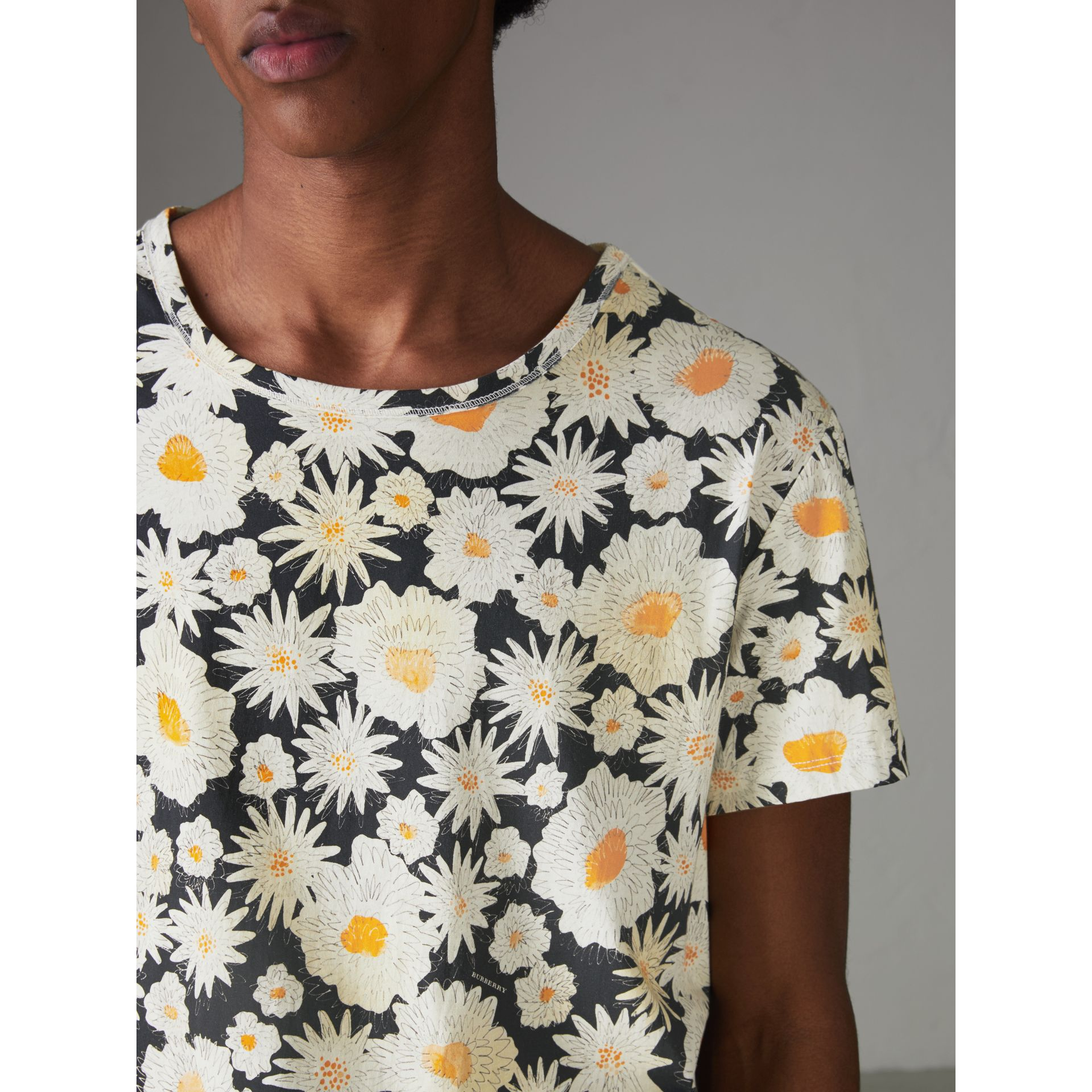 Daisy Print Cotton T-shirt in Black - Men | Burberry Australia - gallery image 1