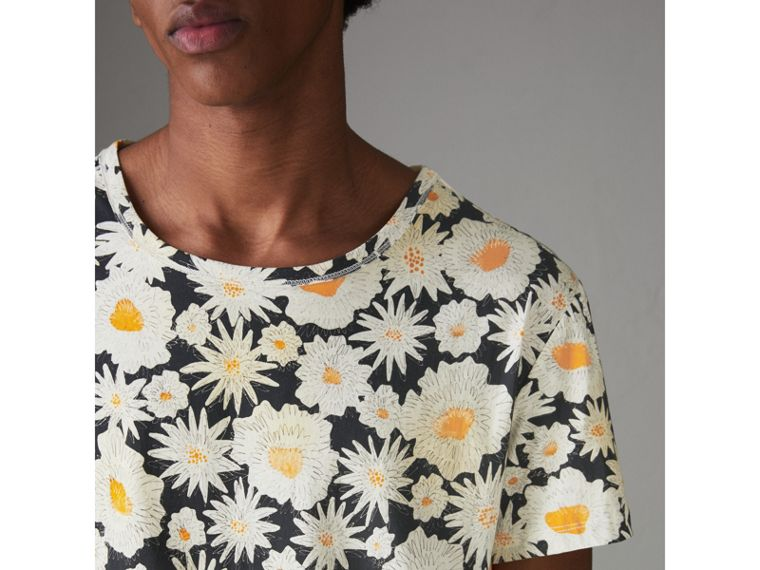 Daisy Print Cotton T-shirt in Black - Men | Burberry Hong Kong - cell image 1