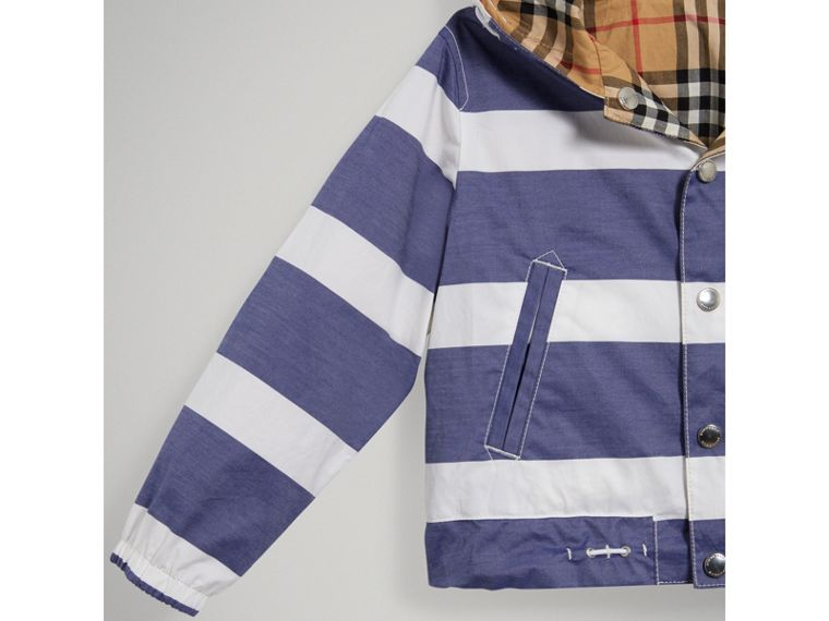 Reversible Stripe and Vintage Check Cotton Jacket in Navy/white - Boy | Burberry - cell image 4