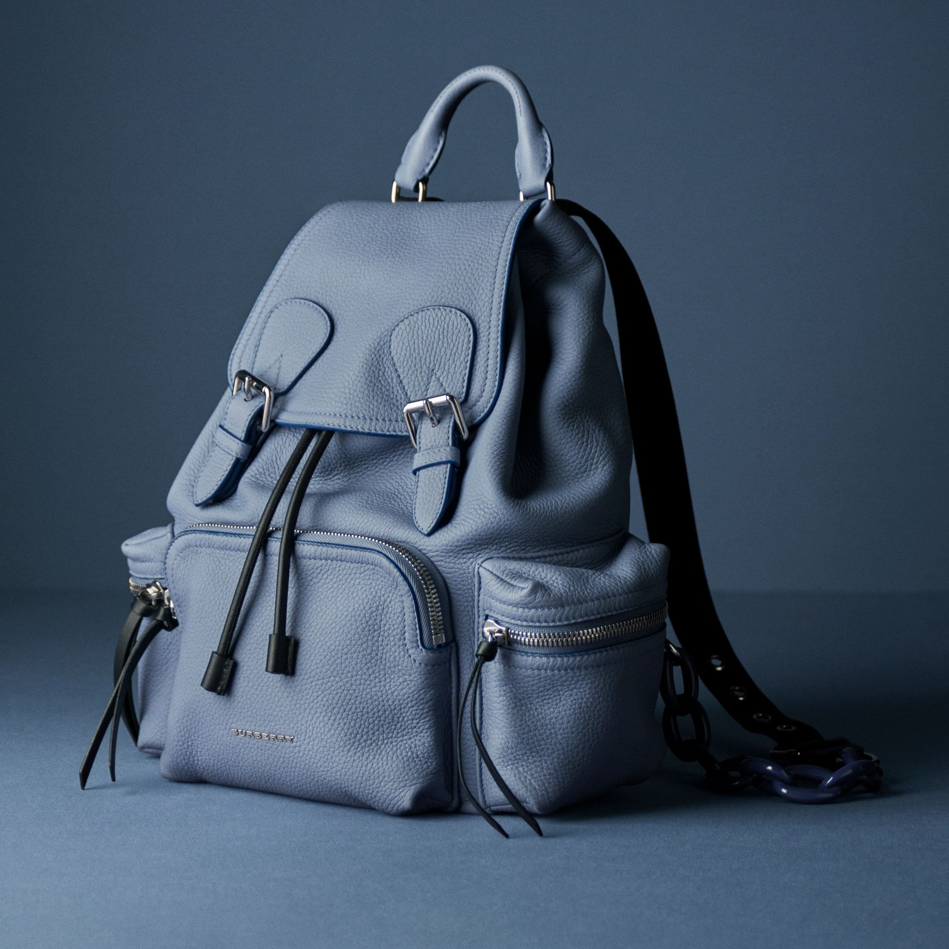 The Medium Rucksack in Deerskin with Resin Chain in Slate Blue - Women | Burberry United Kingdom - gallery image 8