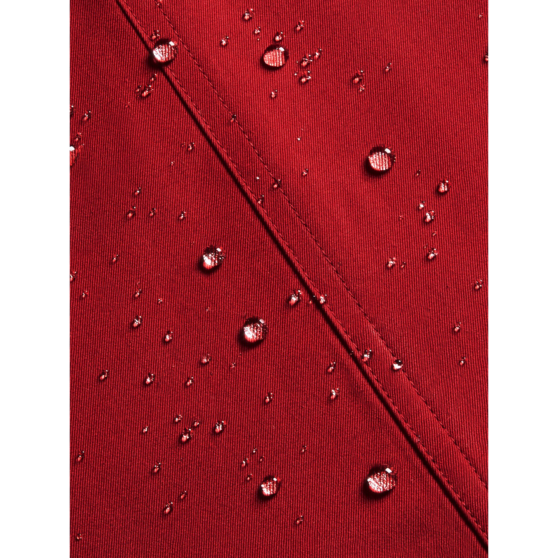 The Wiltshire – Heritage Trench Coat in Parade Red | Burberry Canada - gallery image 2