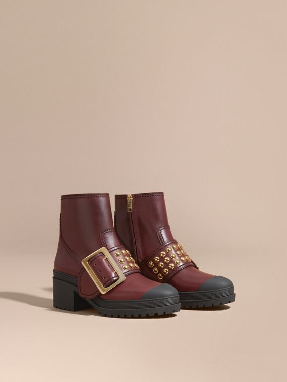 The Buckle Boot aus Leder mit Ziernieten