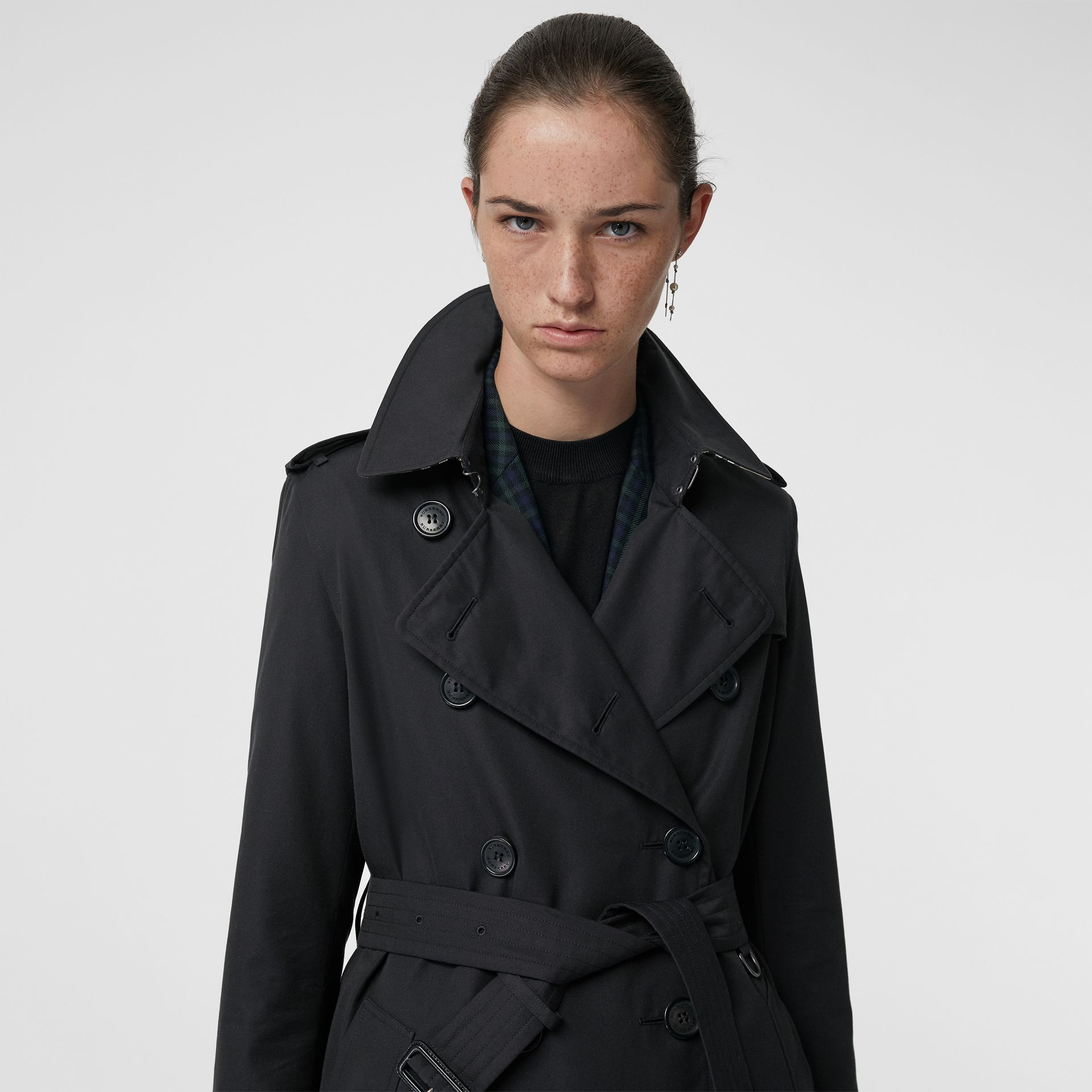 The Long Kensington Heritage Trench Coat in Midnight - Women | Burberry United States - gallery image 1