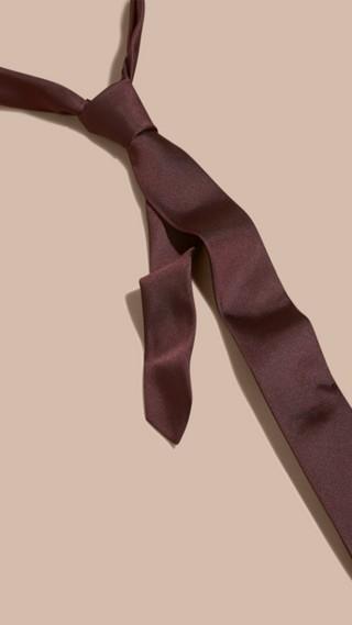Slim Cut Silk Twill Tie