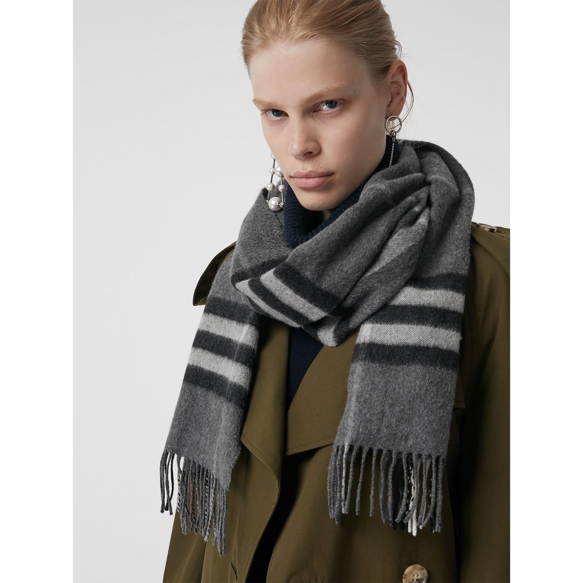 The Classic Check Cashmere Scarf in Mid Grey | Burberry - gallery image 2
