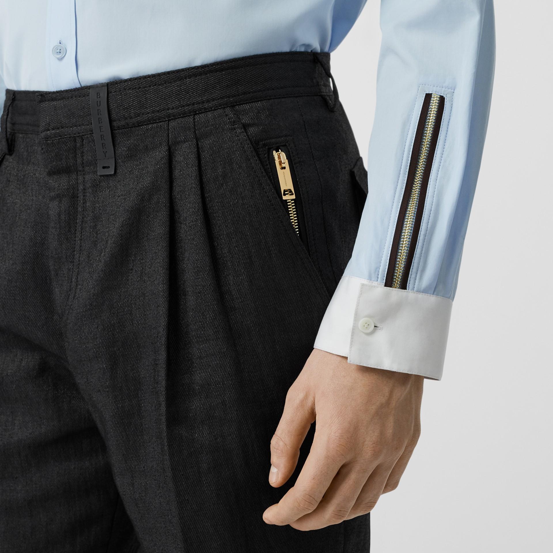Pantalon plissé en lin mélangé avec zip (Noir) - Homme | Burberry - photo de la galerie 5