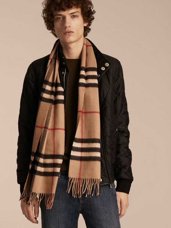 The Classic Cashmere Scarf in Check in Camel - cell image 3