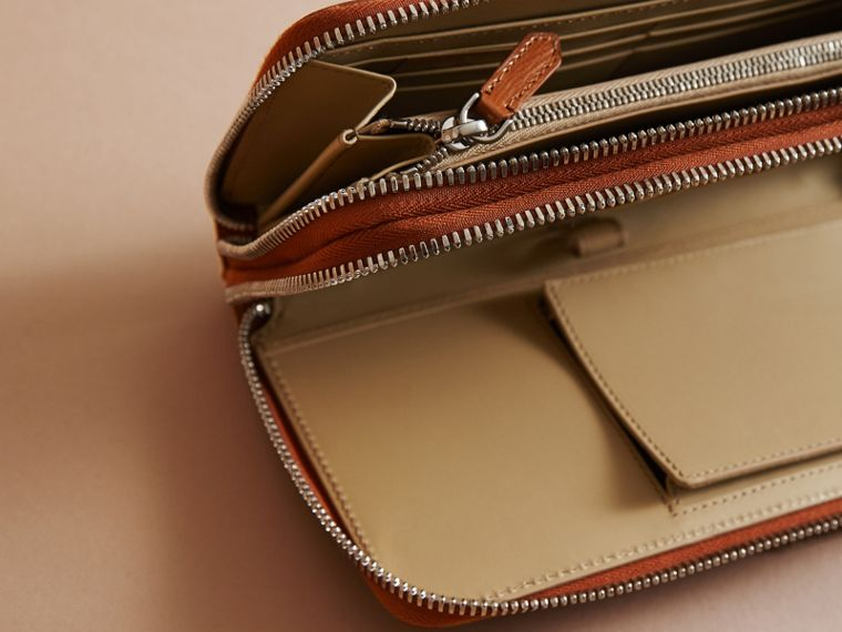London Leather Travel Wallet in Tan - Men | Burberry - cell image 4