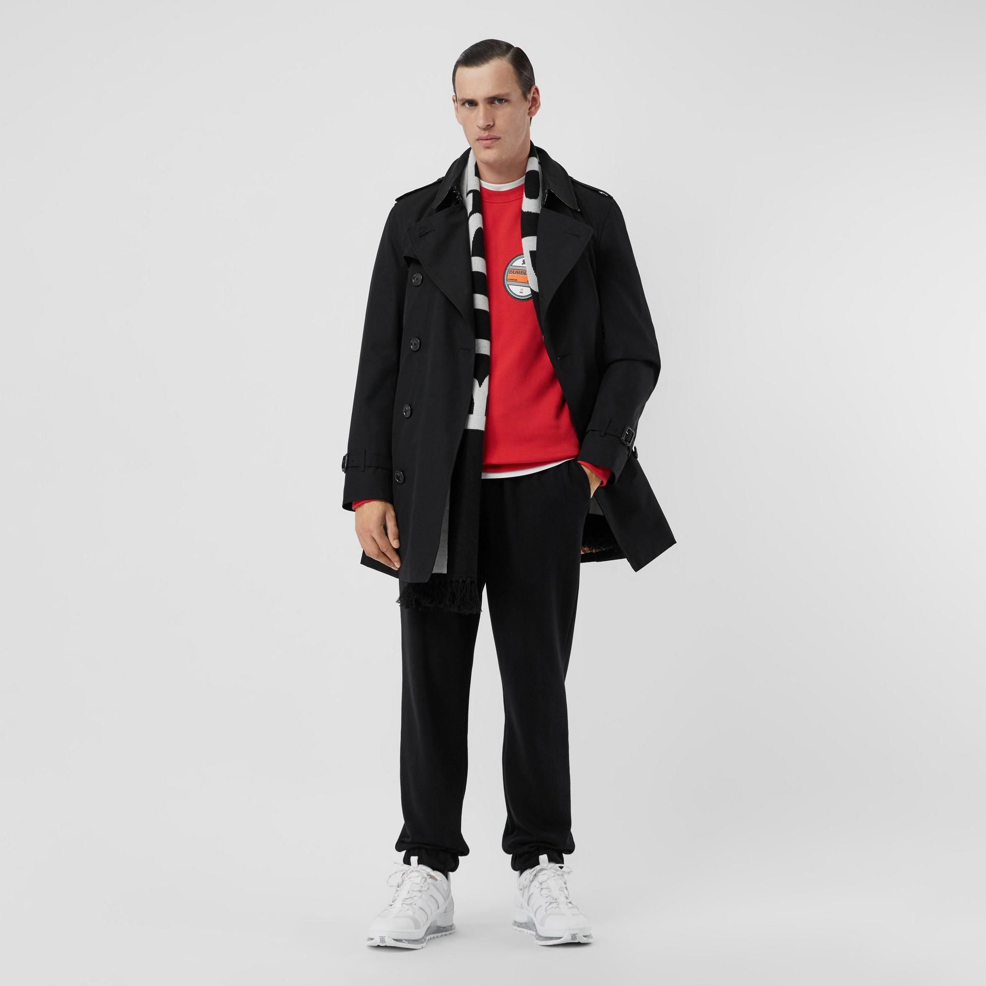 Trench coat corto con taglio Chelsea (Nero) - Uomo | Burberry - immagine della galleria 6
